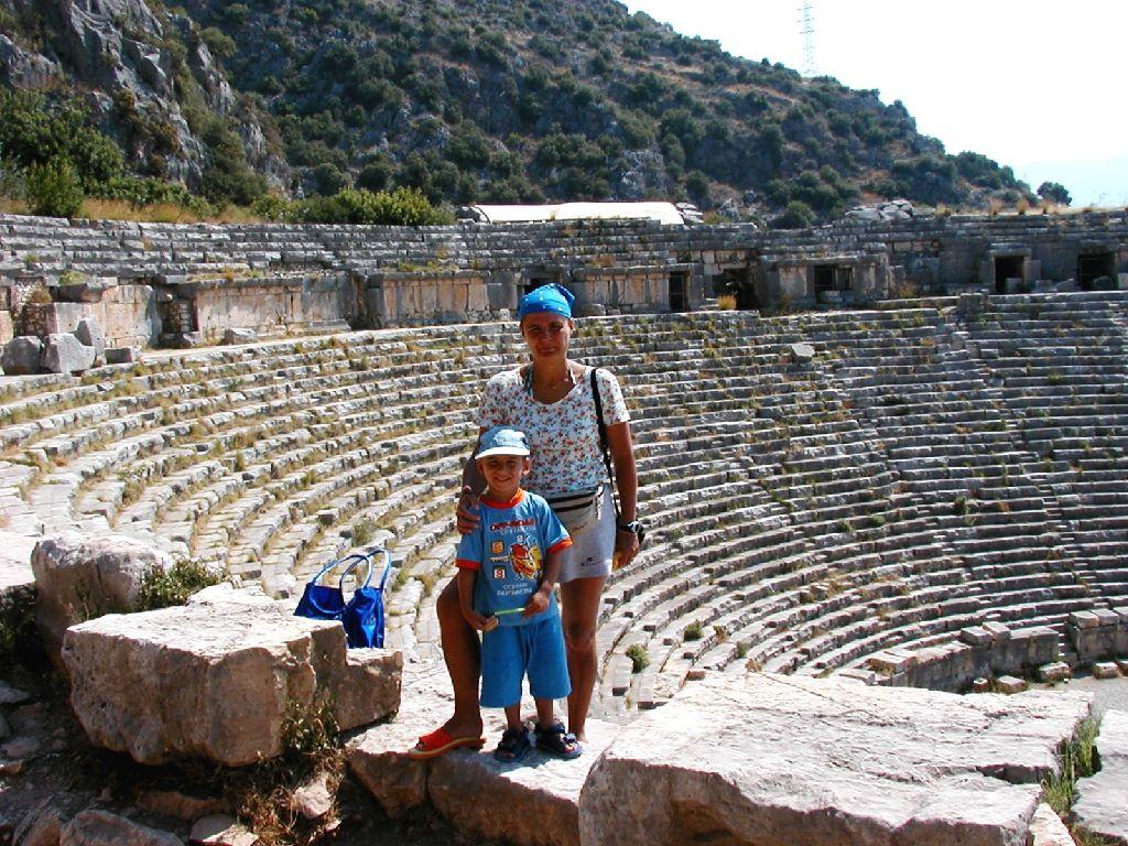 Myra, il Teatro